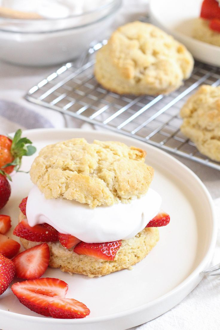 #Vegan strawberry shortcakes with coconut whipped cream