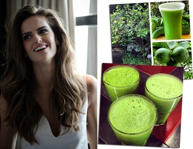 """Fruta de beber - Izabel Goulart   """"Não abro mão do suco verde pelas manhãs. Às vezes faço uma vitamina batida com couve, acelga, maçã e gengibre. Fica uma delícia e para mim é ótimo já que tenho dificuldade de comer a fruta em pedaço""""."""