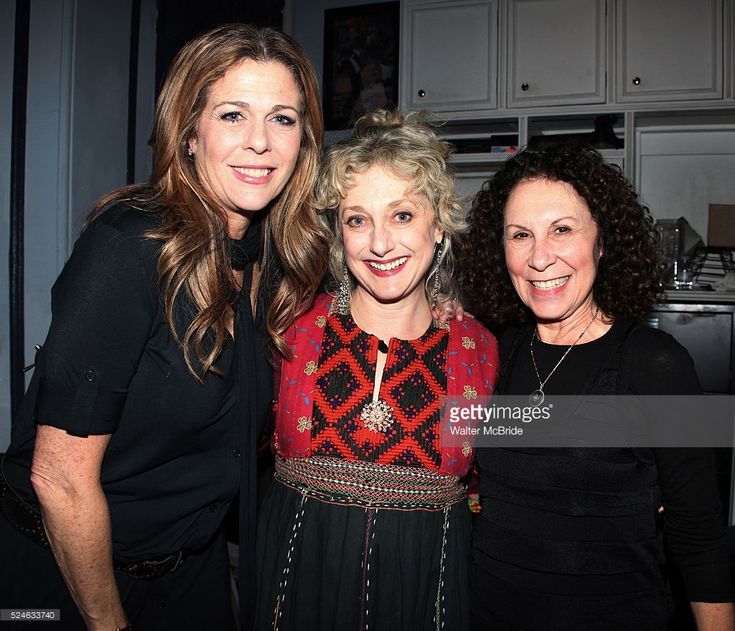 News Photo : Rita Wilson, Carol Kane & Rhea Perlman backstage...