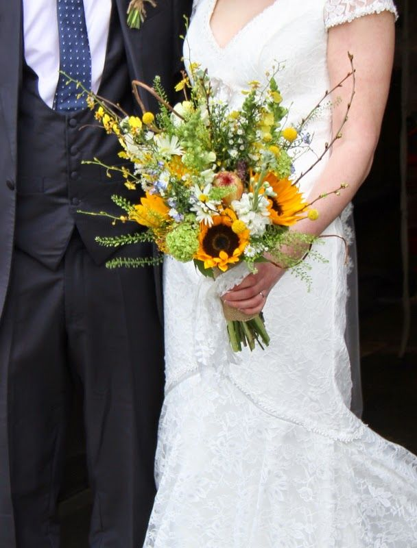 Sunflowers and forget me nots bouquet