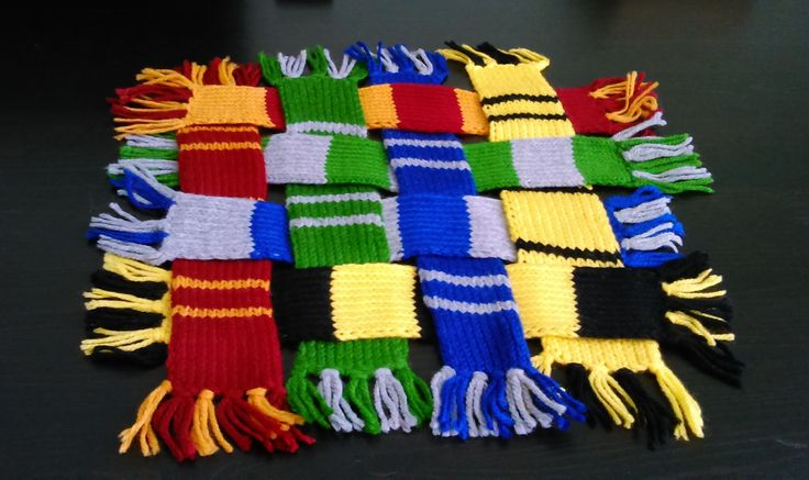Harry Potter bookmarks all 4 Houses scarf-pack!