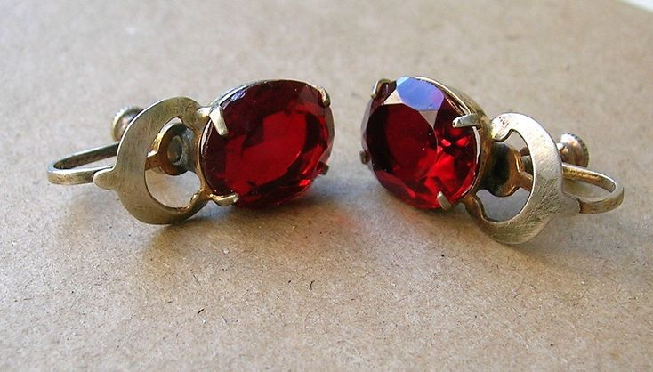 Excited to share the latest addition to my #etsy shop: Vintage Red Glass and Sterling Silver Earrings // 1950s Screw Backs http://etsy.me/2Hkdr8e #jewelry #earrings #red #oval #silver #women #midcentury #earlobe #facetedoval