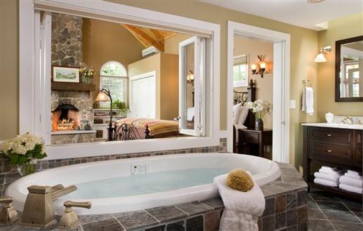 Gorgeous open bath at Sugar Hill Inn in Sugar Hill, New Hampshire