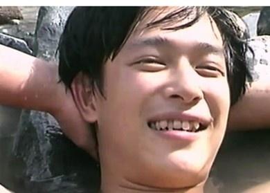 Sakai Masato when his teeth was still ugly... LOL.