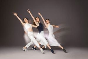 New York City Ballet Dancers Show Off Impressive Moves In Cole Haan's New Campaign http://footwearnews.com/2017/business/marketing/new-york-city-ballet-dancers-cole-haan-389767/?utm_campaign=crowdfire&utm_content=crowdfire&utm_medium=social&utm_source=pinterest