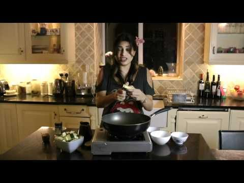 How to cook Marrow/zucchini/courgette curry-Indian Recipe Nisha Katona - YouTube