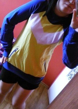 Kup mój przedmiot na #vintedpl http://www.vinted.pl/damska-odziez/odziez-sportowa/12661927-bluza-sportowa-dresowa-zip-z-kapturem-l-luzna-college-swag