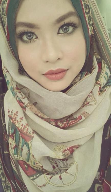 #hijabfashion #hijab #beautiful #blueeyes hijab fashion ideas for blue eyes
