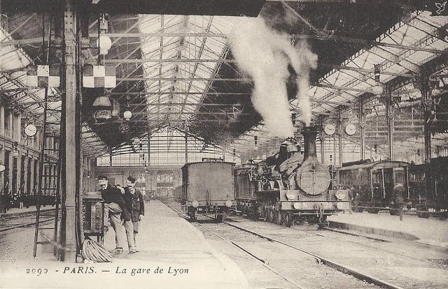 1855 - La Gare de Lyon - Paris Unplugged