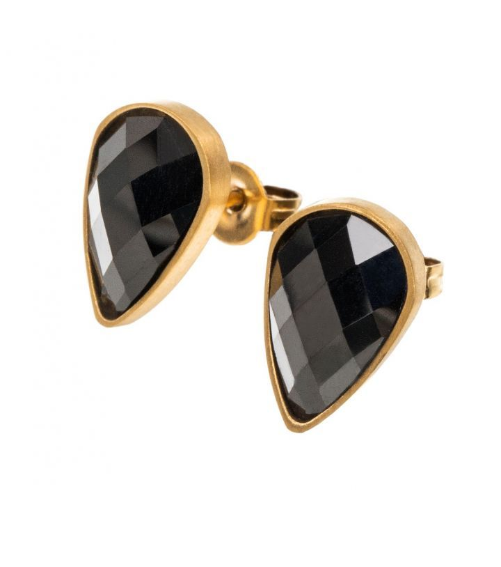 Sanna studs, matt gold Featuring a 8 x 13mm drop shaped black Cubic Zirconia gemstone