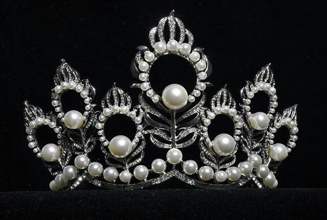 Miss usa mikimoto crown in 2019 | Miss usa, Fashion, Crown