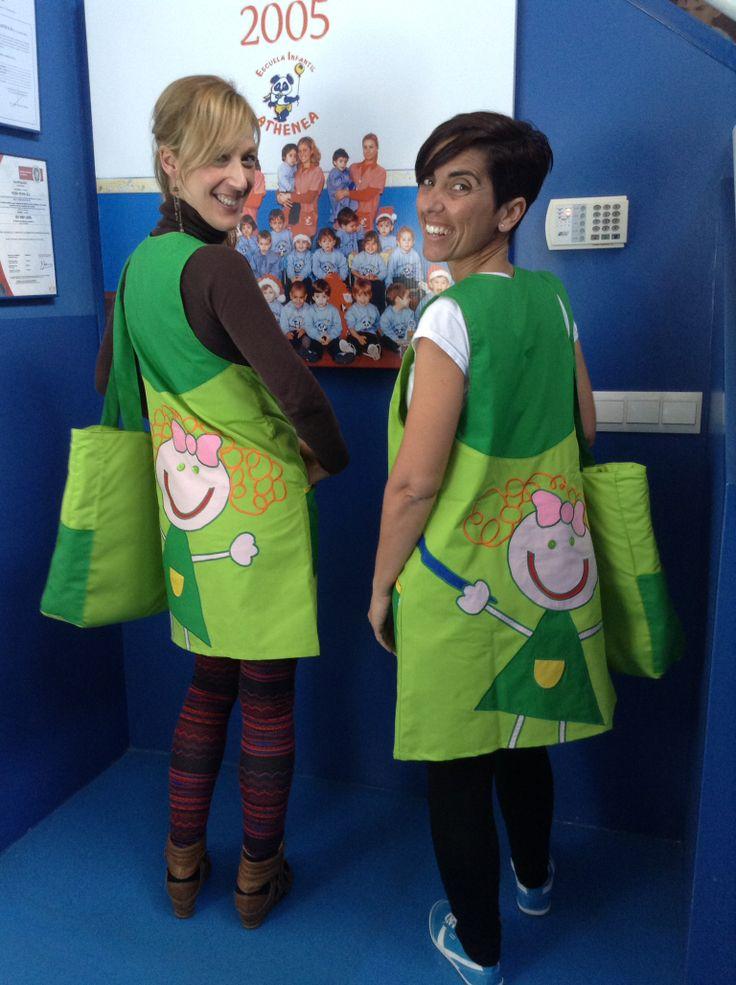 Uniformes Educadoras CEIP Maruja Mallo, con bolso personalizado a juego. www.rosareina.com #uniformes #guarderias #colegios #educadoras #niños