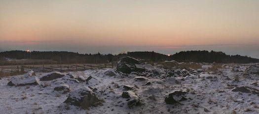 Tähdet ja avaruus: Suomen muinaiset haudat suunnattiin auringonnousuun - yllätys uskontojen ajoituksessa