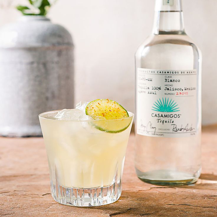 CASAMIGOS MARGARITA 1 1/2 oz. Casamigos Blanco Tequila 1 oz. Fresh Lime Juice 1/4 oz. Fresh Orange Juice 1/5 oz. Agave Nectar 1/5 oz. Orange Liqueur Combine all ingredients to iced mixing glass. Shake vigorously for 10 count. Pour all contents into a rocks glass with or without salted rim. Garnish with a lime.