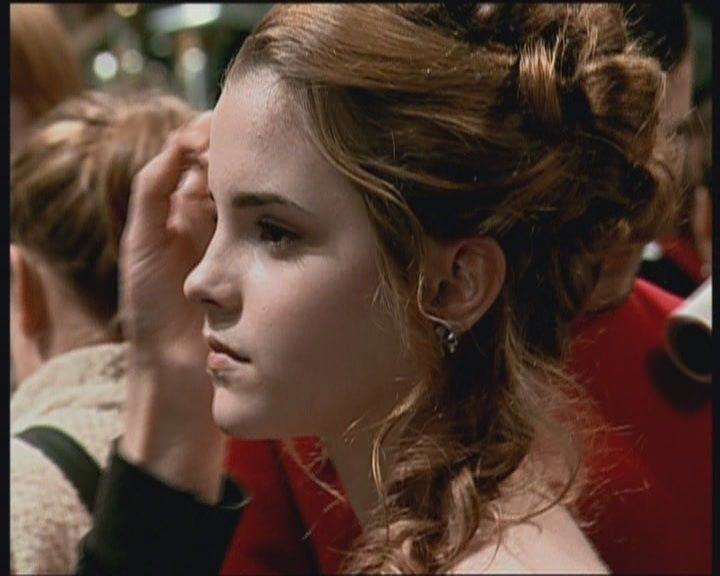 Hermione S Ball Hair Google Search Google Hermione Search New Ball Hairstyles Harry Potter Hairstyles Hermione