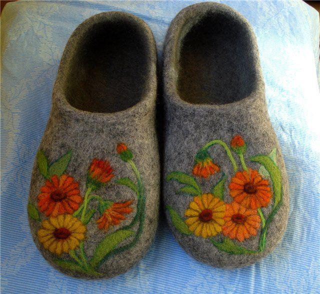 felted slippers from Russia nkarmanova http://nkarmanova.livejournal.com/31596.html