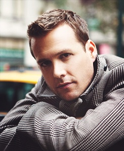Gabriel Macht.. there you go again with your smouldering look at me... k i give in..