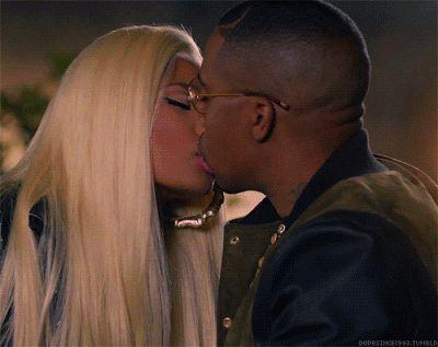 Nicki Minaji now dating raper Nas?