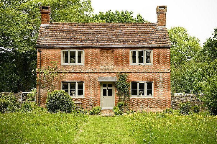 OLDE ENGLISH FARMHOUSE