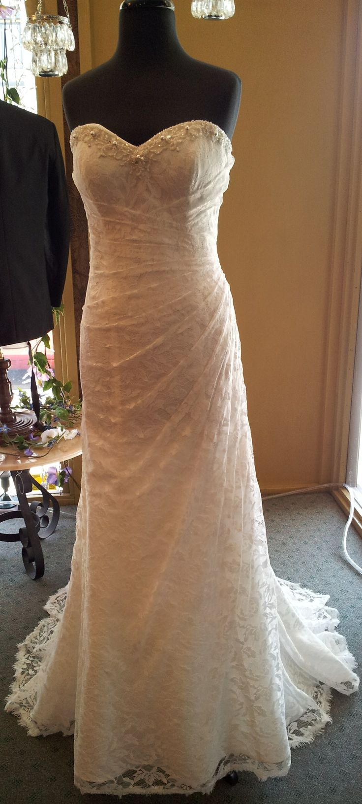 Perfect Lace Wedding Gown At An Incredible Price Alfred