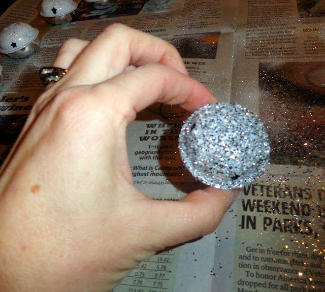 Holy Craft: Glitter jingle bells