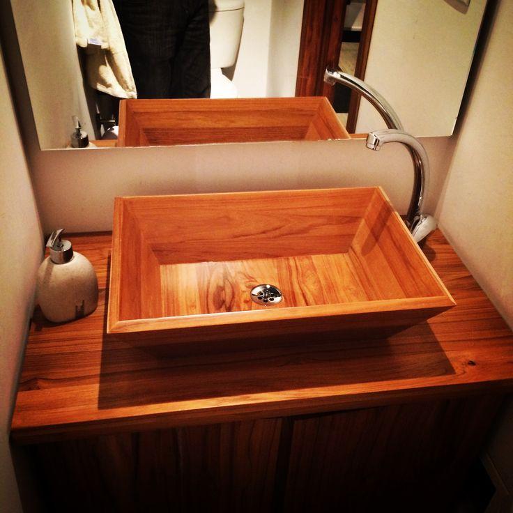 Nuestro lavamanos de madera