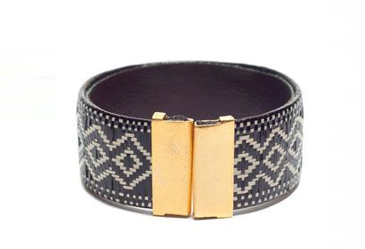 Colombian Geometric Bracelet, handmade by indigenous Zenu Artisans from the Cordoba province using dried leaves of the cana flecha palm.