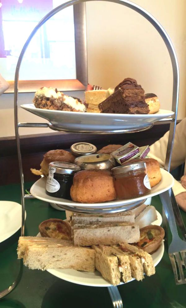 Afternoon Tea At Patisserie Valerie #eastbourne #patisserievalerie #afternoontea