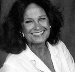 Colleen Dewhurst.  Such a class act. Wonderful actress, beautiful woman.