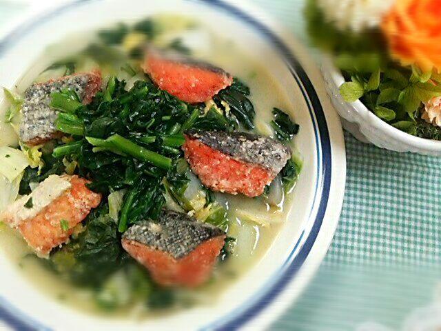 毎週木曜日は「ベジたべる」d=(^o^)=b  今日は「青菜と鮭のクリーム煮」d=(^o^)=b - 61件のもぐもぐ - 青菜と鮭のクリーム煮 by Yoshitsugu  Tsuchiya