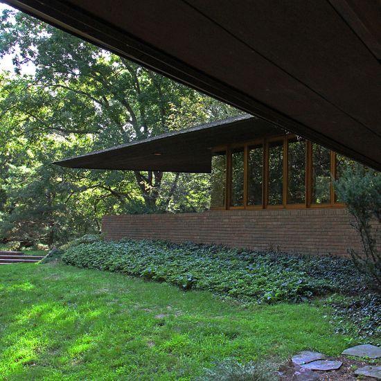 Palmer House. Ann Arbor, Michigan. 1950. Frank Lloyd Wright. Usonian.