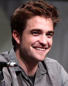 http://upload.wikimedia.org/wikipedia/commons/thumb/b/b0/Robert_Pattinson_by_Gage_Skidmore.jpg/220px-Robert_Pattinson_by_Gage_Skidmore.jpg