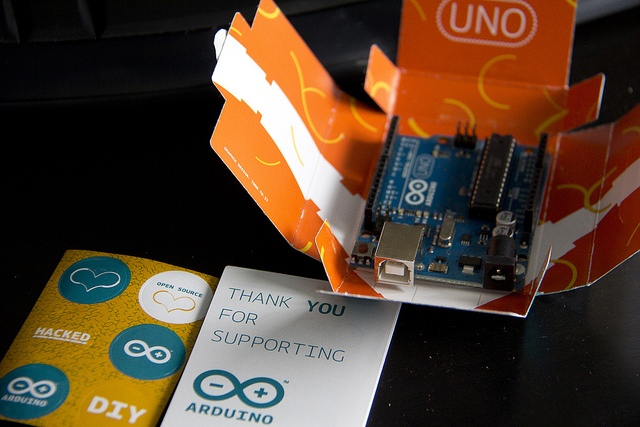 Arduino Uno package ouvert by Marc-André Martin, via Flickr