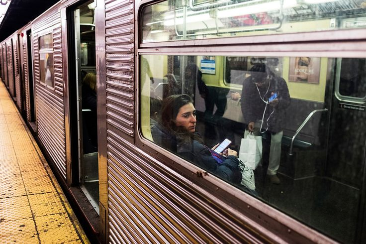 Weekday ridership rose to its highest level since 1948, but the Metropolitan Transportation Authority recorded a 3 percent drop on weekends in 2016.