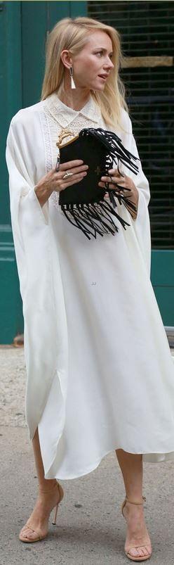 Naomi Watts: Dress and purse – Valentino  Shoes – Stuart Weitzman  Jewelry – Monique Pean- LadyLuxury
