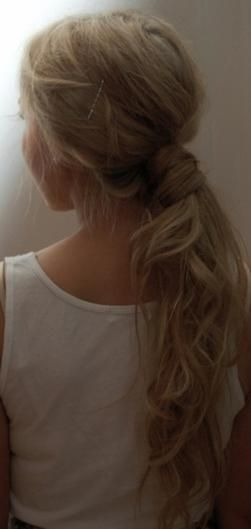 wavy hair ponytail