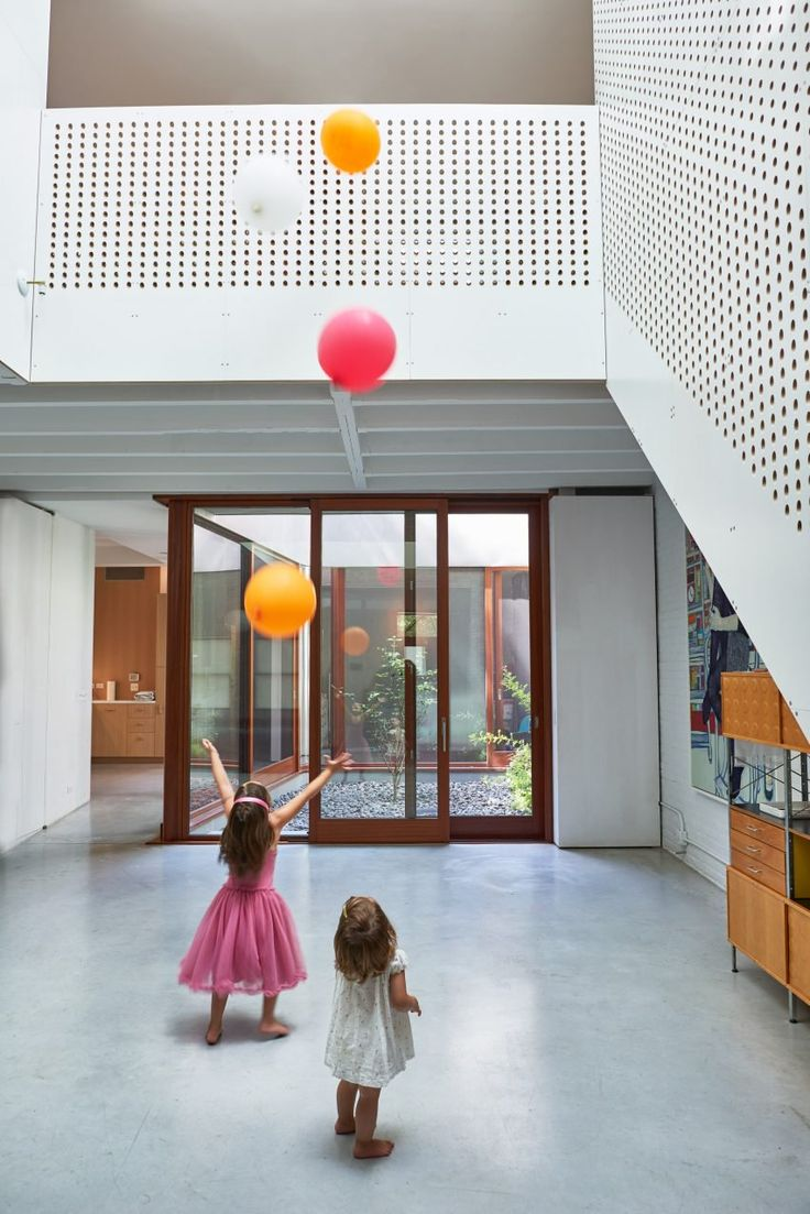 Clinton Hill Courtyard House by O'Neill McVoy
