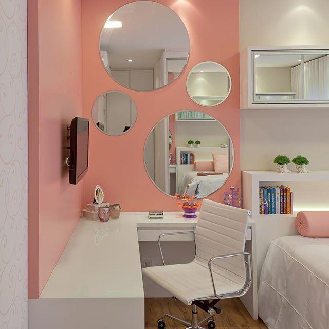 Mesa para estudo e maquiagem  Quarto da Sofia  #rosa não #tv não