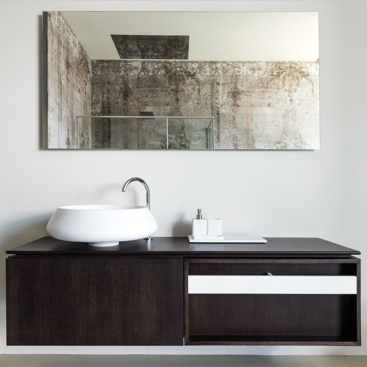 Inspiration from our showroom in Fiorano. Agape Plus containers with Bjhon washbasin #agapedesign