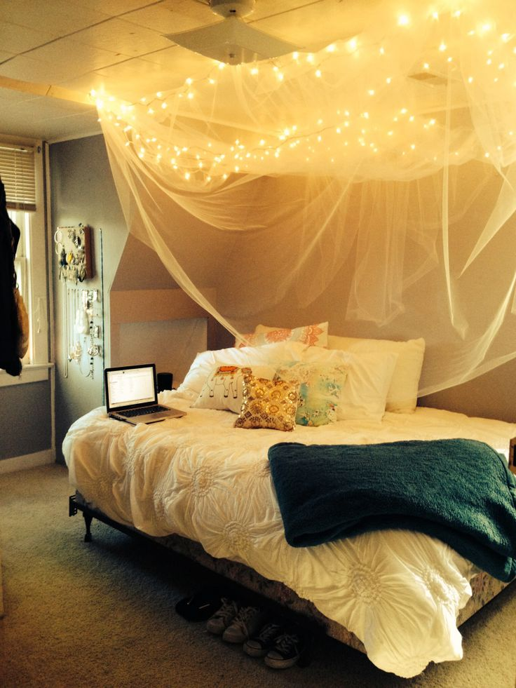 20 DIY Dorm Canopy Beds Living room canopy, Diy bedroom