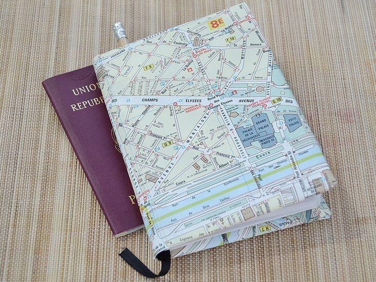 Per decorare un oggetto speciale o confezionare un originale regalo: scopri come riutilizzare le vecchie mappe con il riciclo creativo!