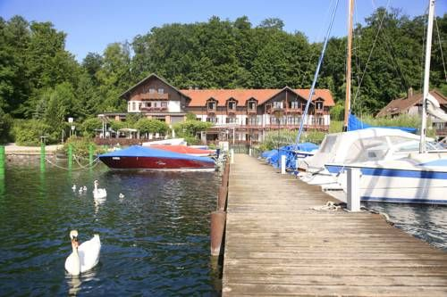 Forsthaus am See   PETRU CEZAR DUZEL has just reviewed the hotel Forsthaus am…