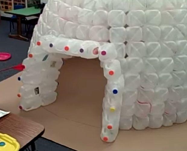 Igloo con flaconi di plastica http://www.lovediy.it/igloo-con-flaconi-di-plastica/ Un igloo realizzato con oltre 400 #flaconi di plastica #riciclati!