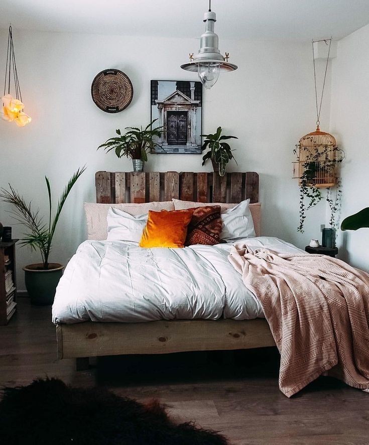 Beautiful Room Space With Indoor Plants And Warm And Cozy Fresh Touches Room Inspiration Apartment Decor House Rooms
