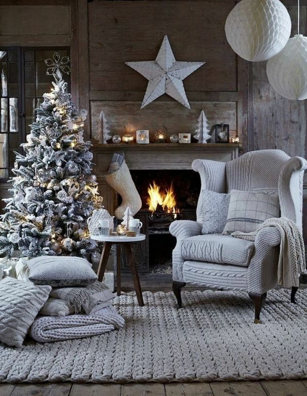 1001+ Ideen für Weihnachtsbaum schmücken – Weiß und Silber als Tannenbaumdekoration – Chris Tina