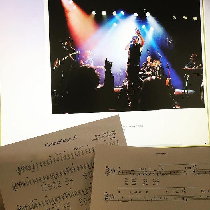 """Nå er elle melles """"Himmelhøge sti"""" også på noter. Du finner den på shop.cantando.com #ellemelle #cantandomusikkforlag #popmusikk #noter #sheetmusic by musikkforlaget"""