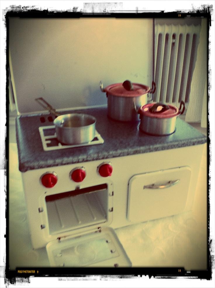 Old toy kitchen