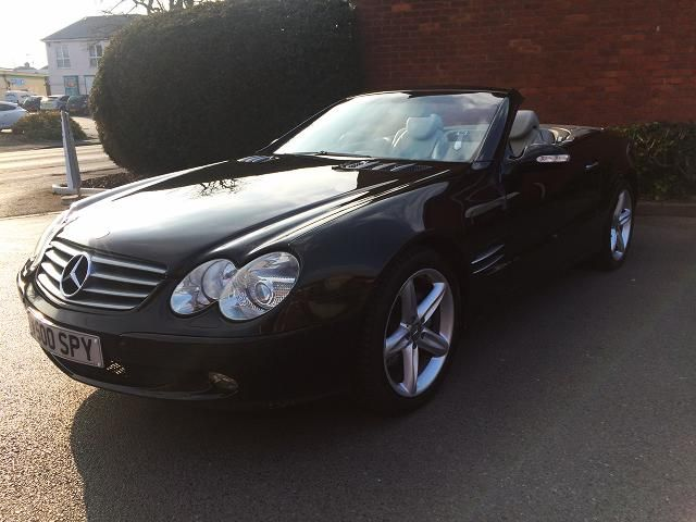 Mercedes Benz 500 SL 5.0 ltr - 2door Price - £11,995 This is when little Gems finds a diamond!! Very Nice example of a 500 SL Mercedes Benz. Beautiful condition throughout with documented service history. Private plate included (V500 SPY). Faultless drive!