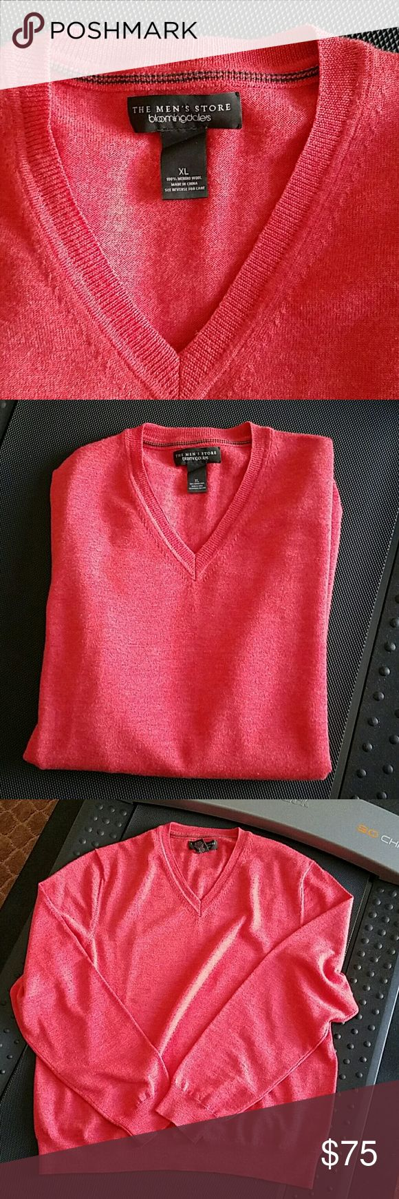 MENS CASHMERE SWEATER FROM MY HUBBY'S CLOSET  THE MENS STORE BLOOMINGDALES MENS CASHMERE SWEATER  SIZE XL  SALMON COLORED  LENGTH 26.5 INCHES  ARM LENGTH 19 5 INCHES  LIKE NEW CONDITION  100%MERINO WOOL BLOOMINGDALES MENS STORE  Sweaters V-Neck
