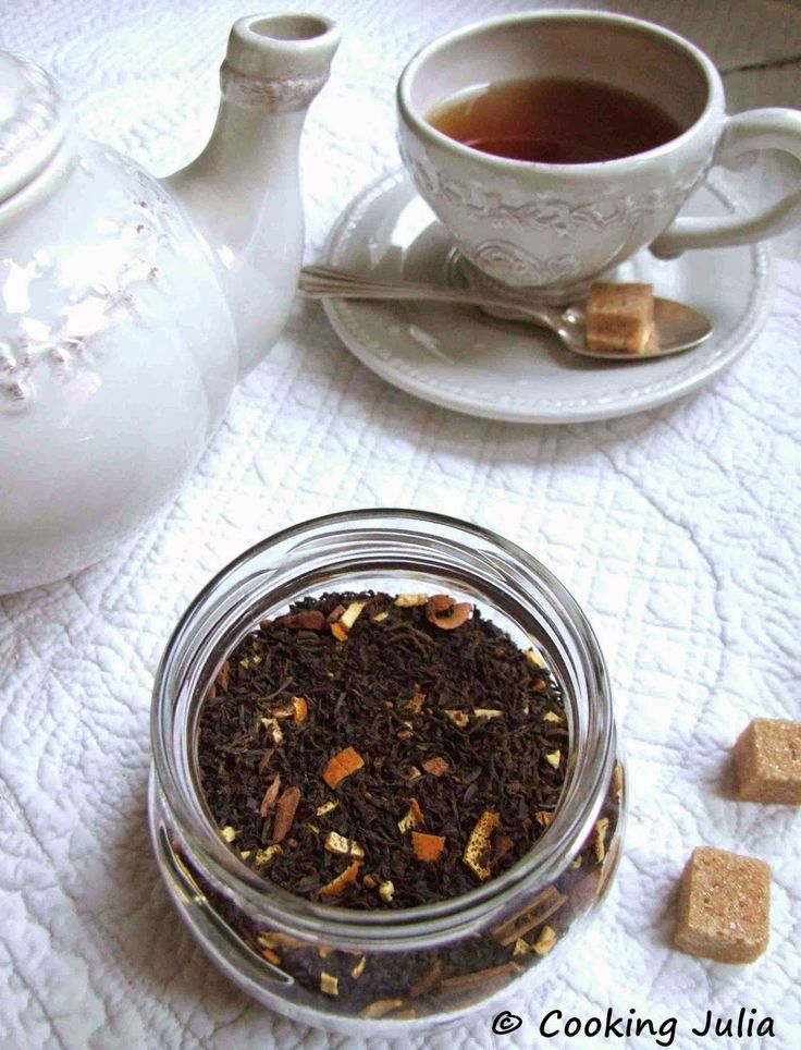 Aujourd'hui, on reste dans les parfums et l'ambiance de Noël avec ce thé aux épices douces qui transformera le tea time en un moment de douc...